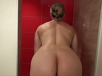 Heavy Titty MILF Tissue Ungentlemanly Shaves